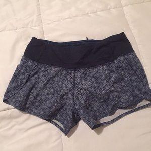 Lululemon shorts size 4